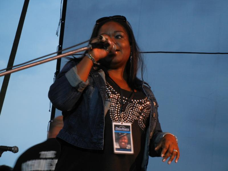 Shemekia Copeland introducing Robert Randolph and The Family Band
