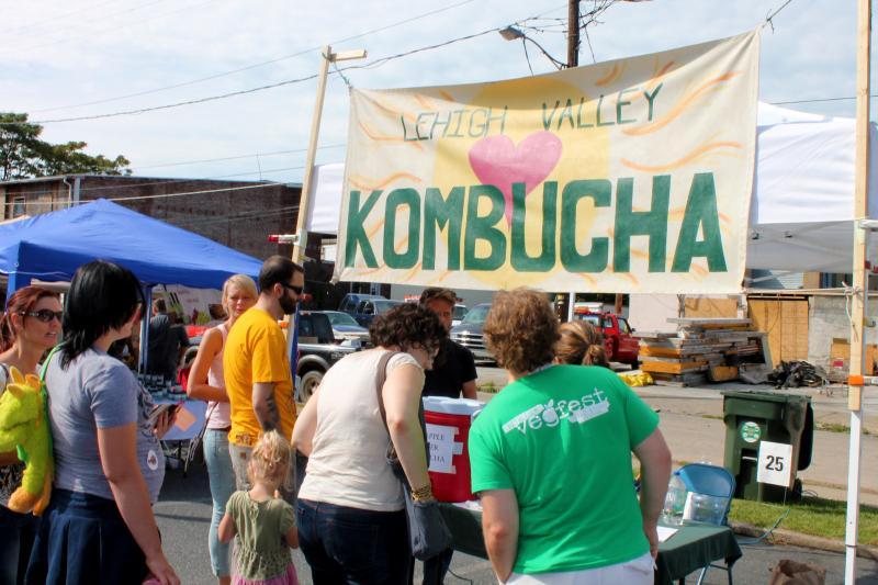 Lehigh Valley Kombucha was on hand with sweet tea.