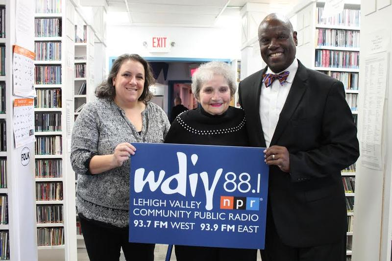From left to right: Christina DiPierro, host Eleanor Bobrow, and Larry Pickens