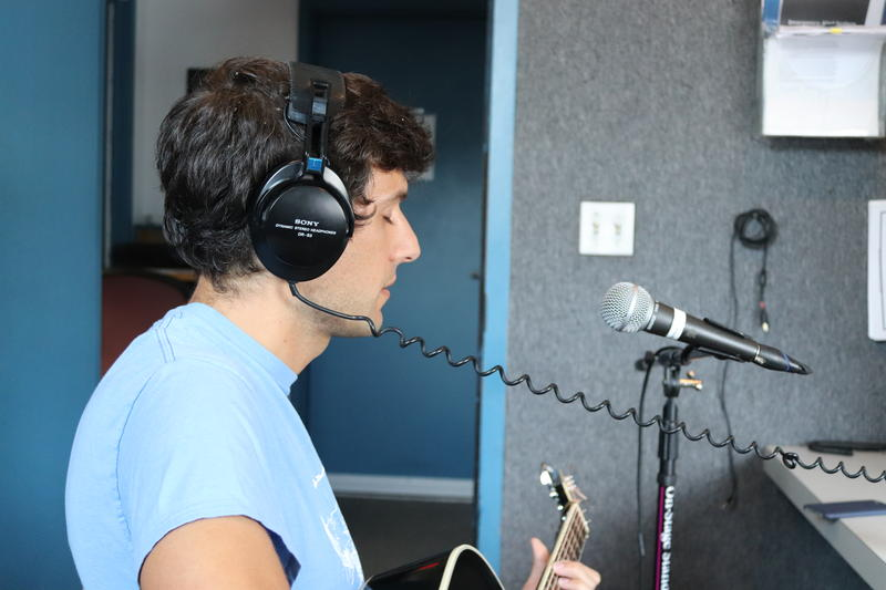 Vram Kherlopian from The Big Drops performs live at WDIY.