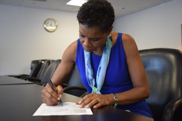 Rep. Donna Edwards puts her name on the ballot for US Senate.