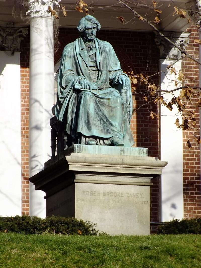 Bronze Statue of Roger Taney removed from pedastal on state grounds in Annapolis