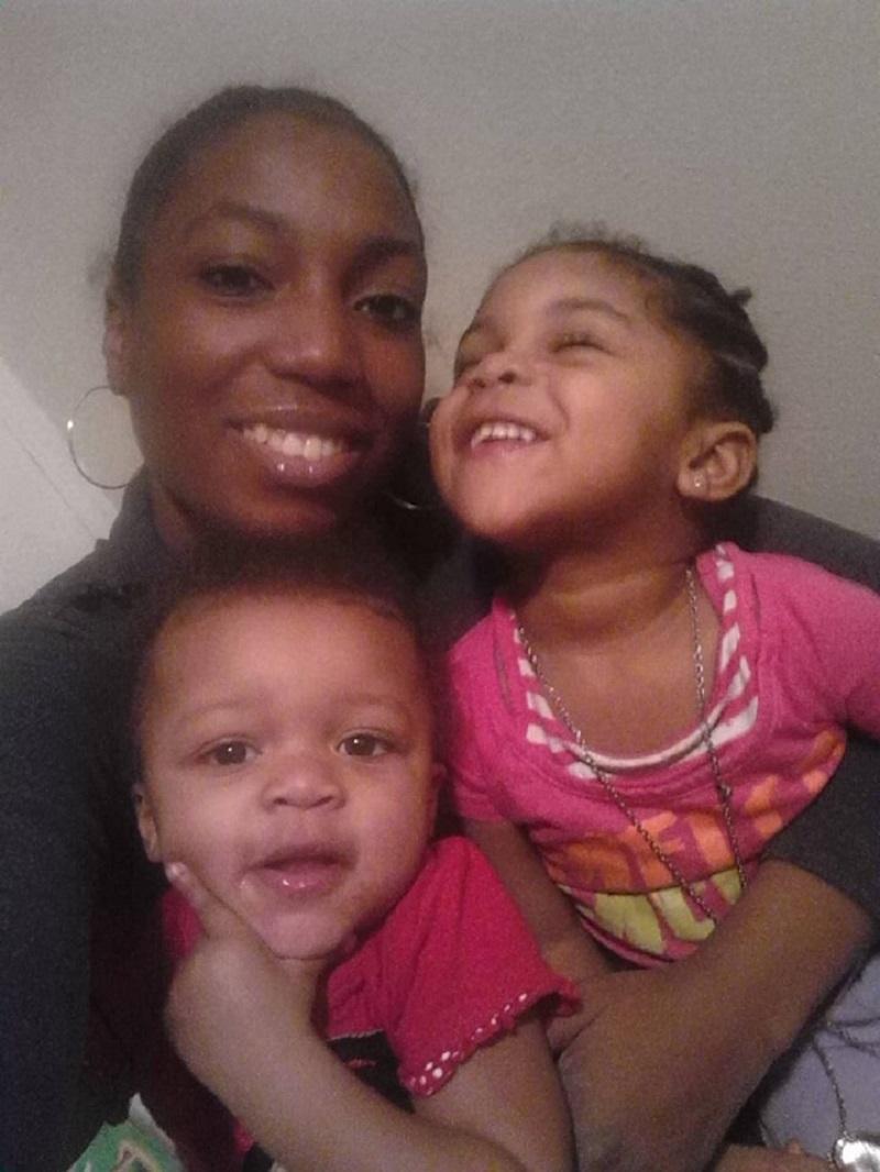 Alicia Evans and children