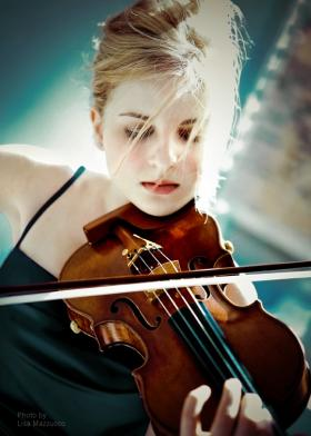 Violinist Caroline Goulding performs with the Lexington Philharmonic during this evening's season opener at the Singletary Center.