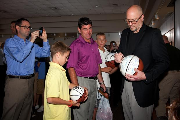 Rex Chapman, who starred at Owensboro Apollo in the '80s, signed autographs Saturday at the State Theater in Elizabethtown.