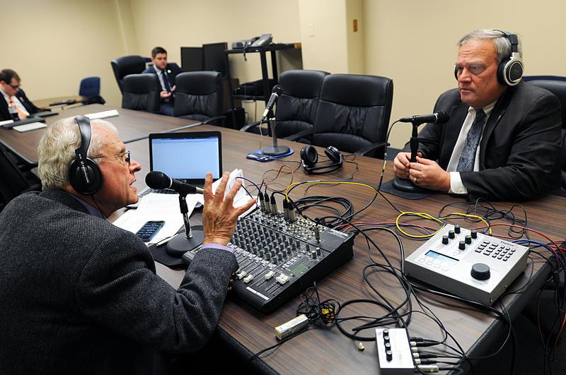 John Hingsbergen chats with Senate President Robert Stivers.