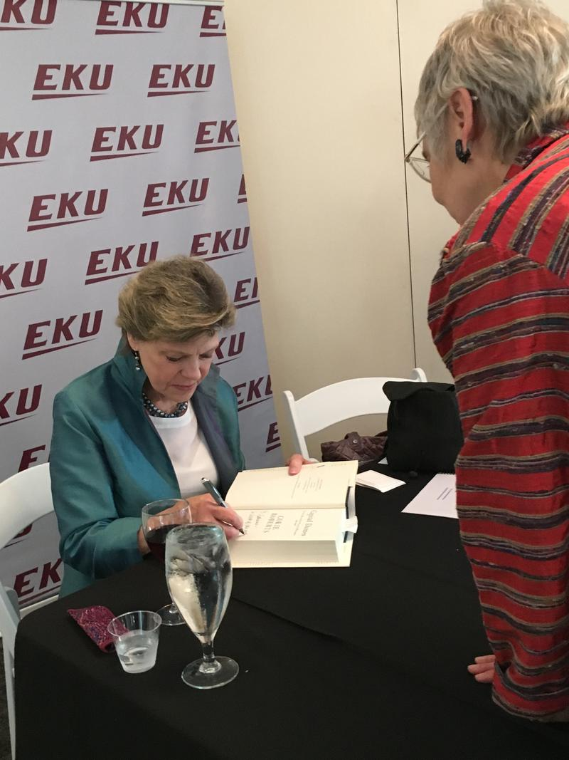 Cokie Roberts signed books for WEKU listener/supports at the 2017 Day Sponsor reception