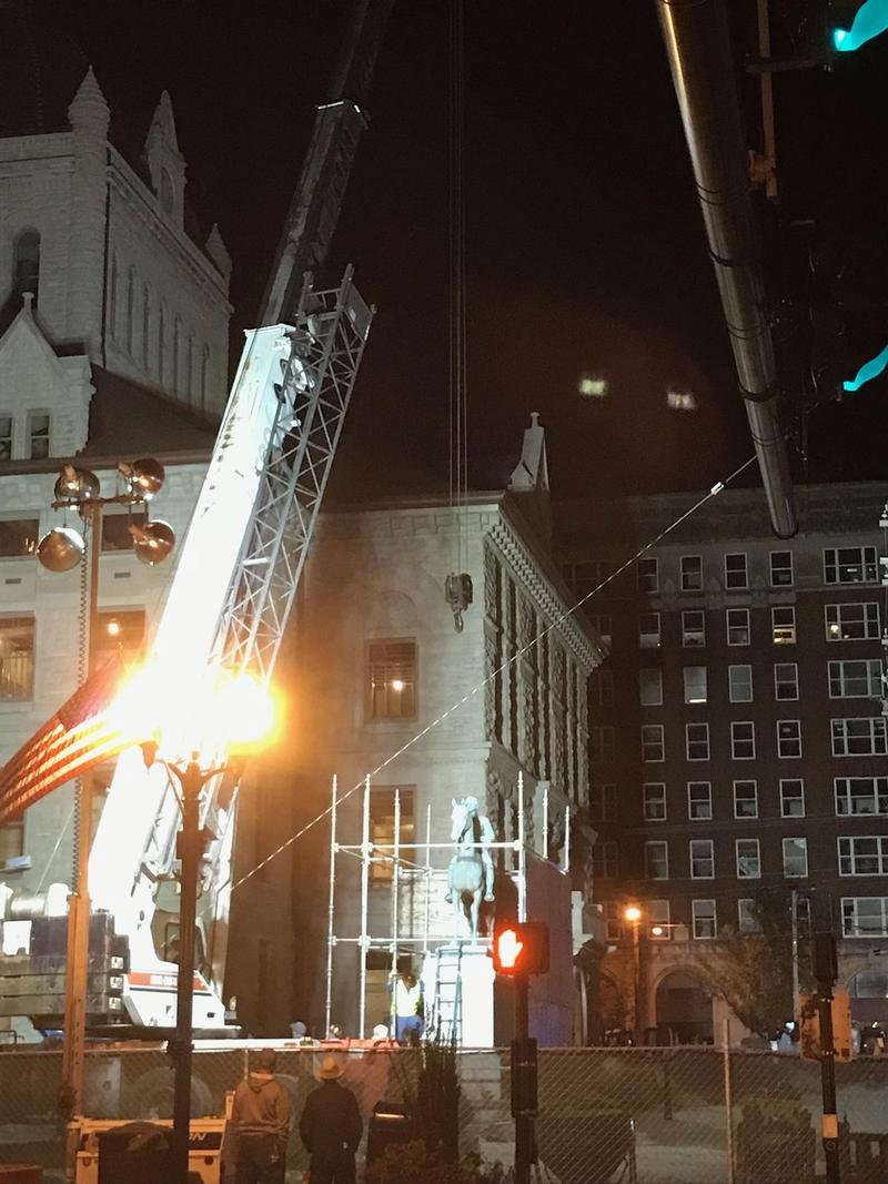 Removal of the statue of John Hunt Morgan began a little before 11:00pm