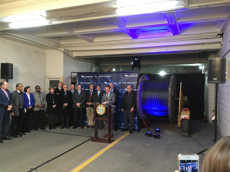 In a garage, adjacent to the Lexington Government Center, Mayor Jim Gray announced an agreement with Indiana-based MetroNet to build an all-fiber gigabit network to provide broadband, cable and telephone service