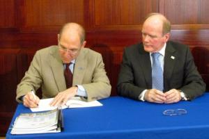 "University of Kentucky President Eli Capilouto and Alltech Founder and President Pearse Lyons Put Their Signatures To A ""Master Alliance Agreement"" For New and Ongoing Research Projects At UK UK Public Relations"