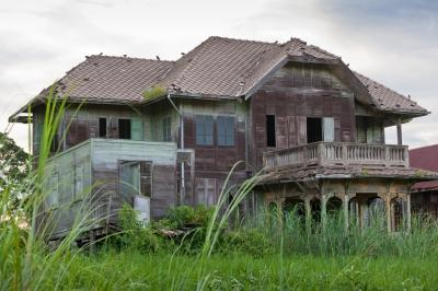 An abandoned house.