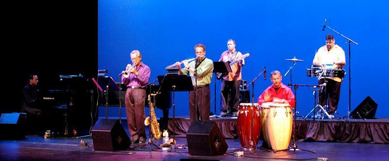 Tumbao Bravo in concert.