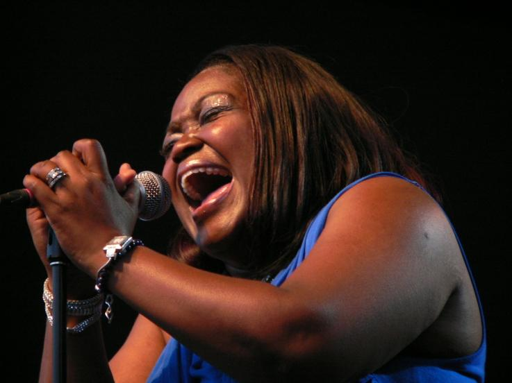 Shemekia Copeland at the 2012 Ottawa Bluesfest.