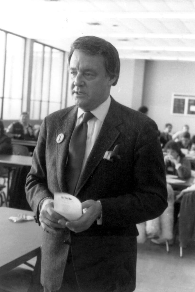 Bill Bonds prepares to interview students at Harrison High School, Farmington Hills, Michigan in 1985