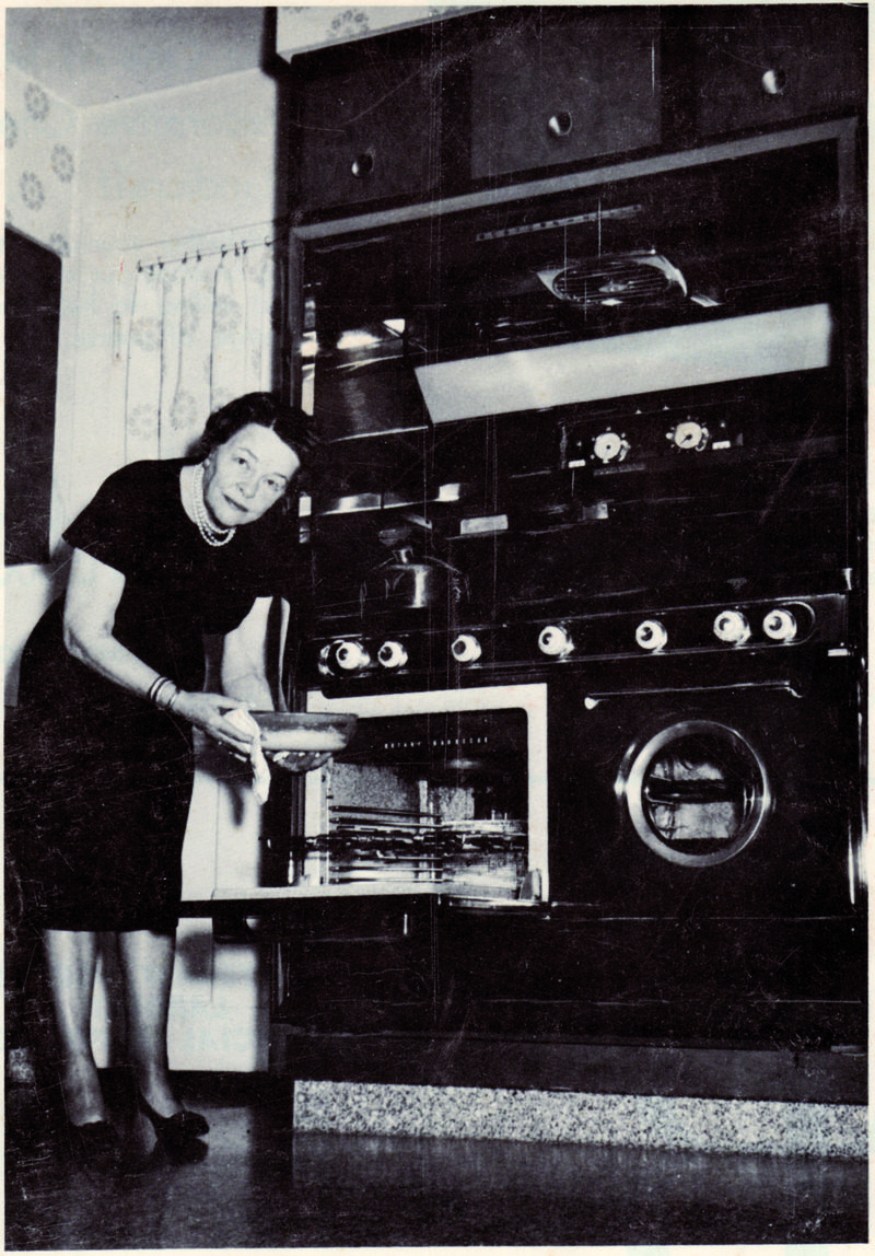 Mabel White Holmes invented the all purpose baking mix for Jiffy Mix.