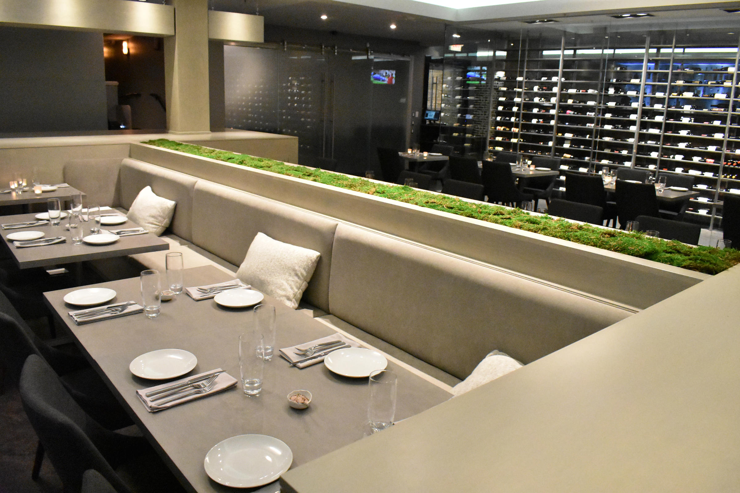 Dessous Dining Room