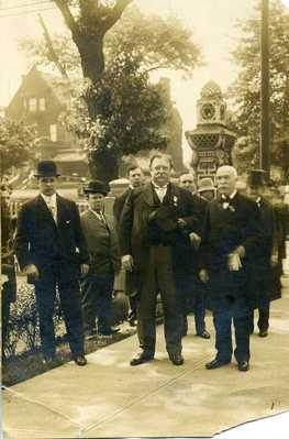 President Taft visiting Rodef Shalom Temple in 1909