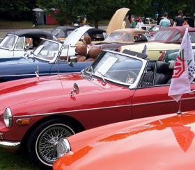 Vintage cars are back to race in Schenley Park this weekend