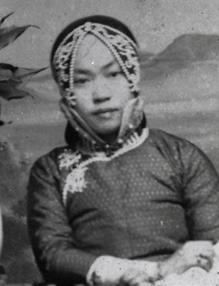 Early 20th century photo of Amy Tan's grandmother, served as inspiration for Tan's new novel