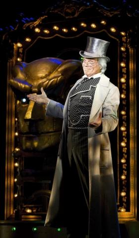 Pittsburgh native John Davidson comes to Pittsburgh as the Wizard in the touring version of the musical Wicked.