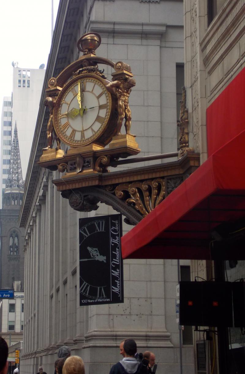 The clock has stood at the corner of Fifth Avenue and Smithfield Street since 1913