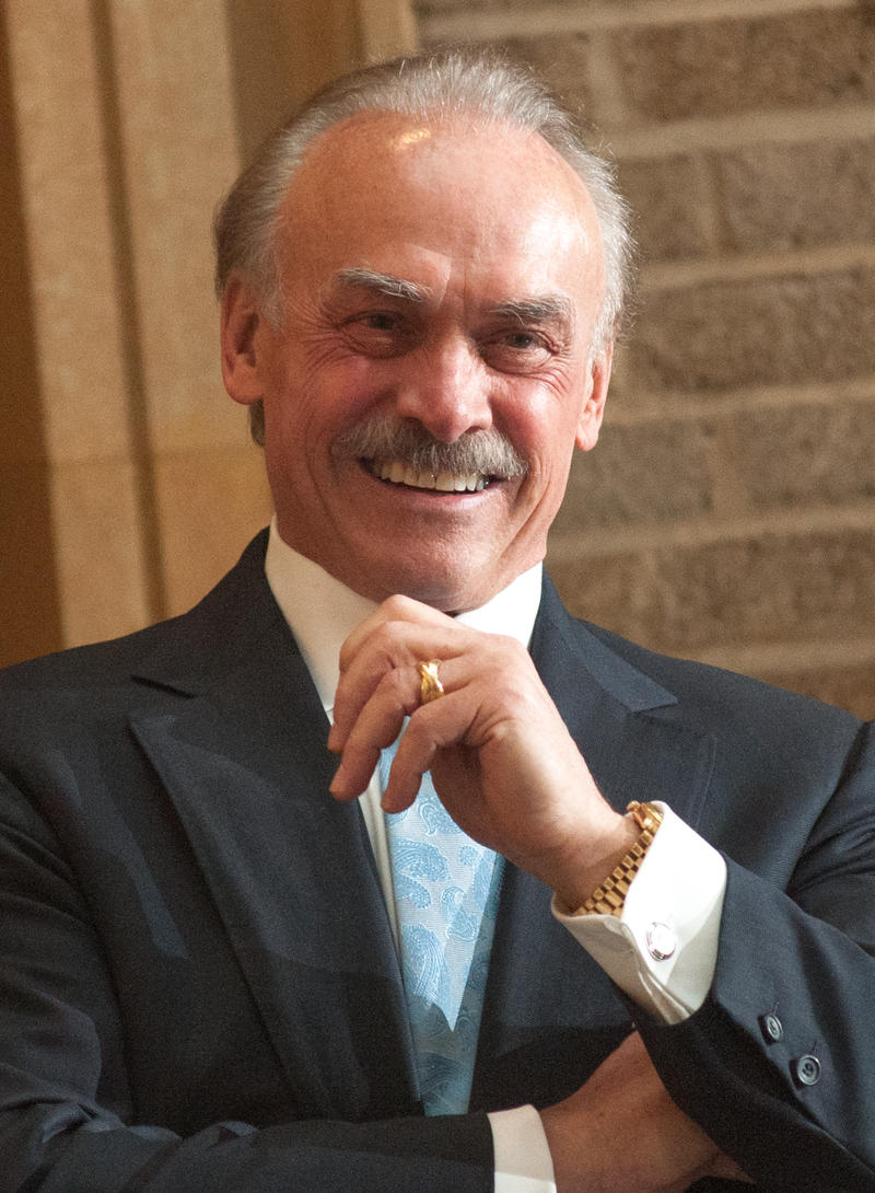 """Former National Football League Pittsburgh Steelers halfback Robert Patrick """"Rocky"""" Bleier will perform a one man show about his life written by Gene Collier."""