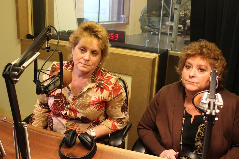 Psychic sisters Jean Mackenzi and Suzanne Vincent.