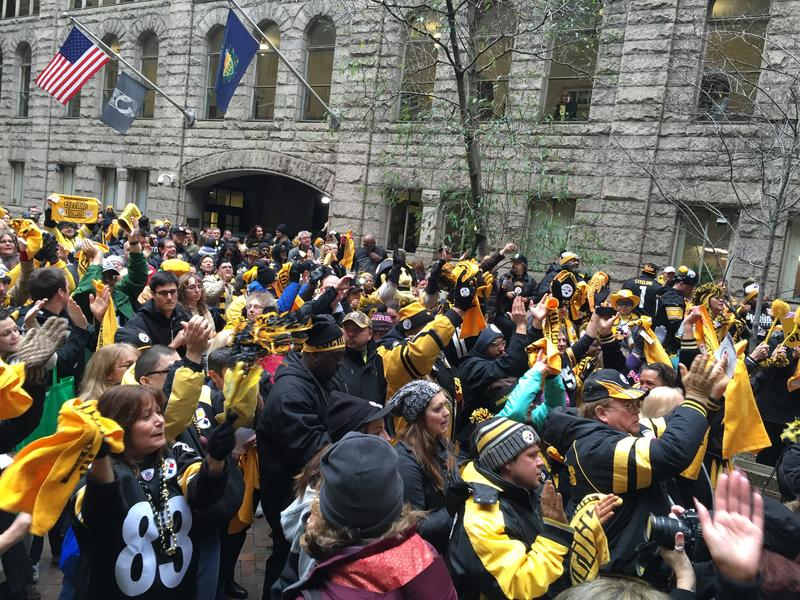 Steelers fans packed the Courthouse Courtyard down Friday for a Steelers playoff rally.