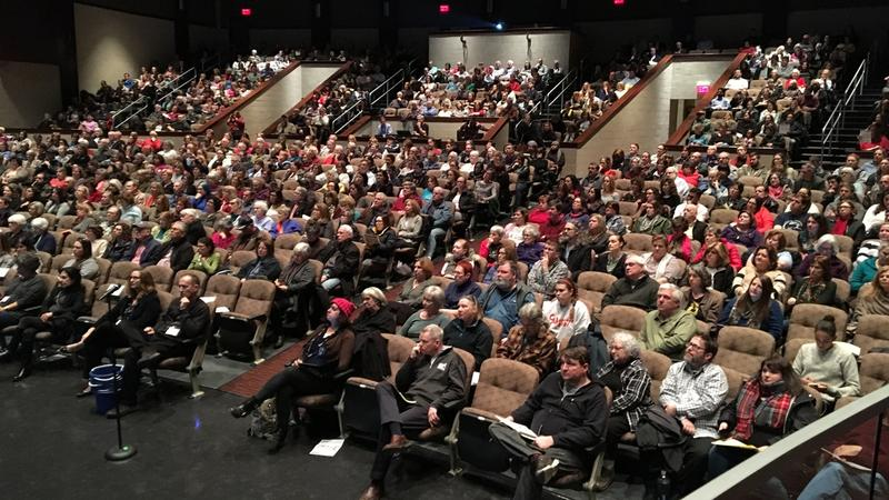 Hundreds pack the auditorium of Upper Dublin High School for a discussion of gerrymandering hosted by the group Fair Districts PA.