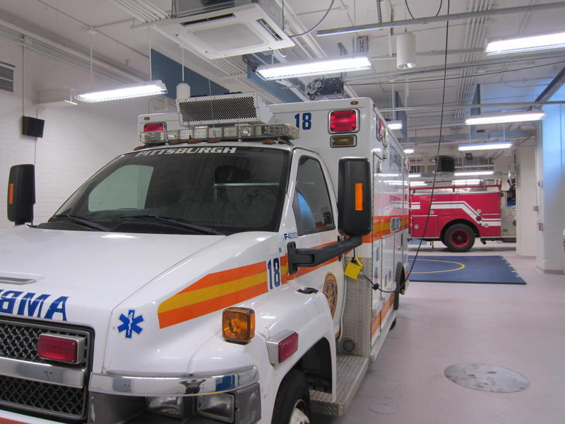 An ambulance and fire truck have been donated by the city to give students in the emergency response technology program hands on instruction.