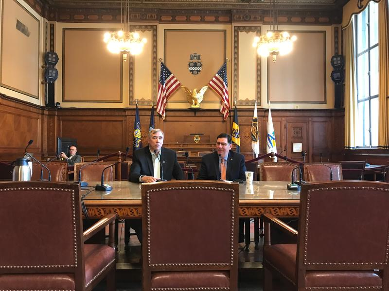 U.S. Senator Jeff Merkley (D-OR) and Mayor Bill Peduto convened a roundtable discussion with environmental and renewable energy groups Friday on how to push climate change policy at the state and local levels.