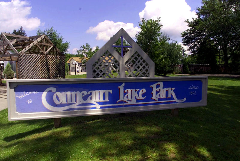 A sign welcomes guests to Conneaut Lake Park in Conneaut Lake, Pa., on June 29, 2000.