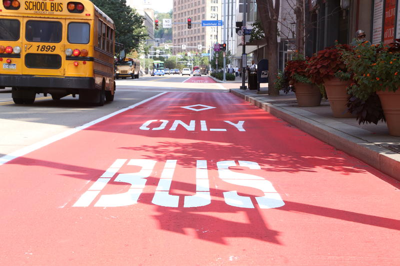 The newly painted bus lane on Liberty Avenue on Tuesday, Sept. 19, 2017.