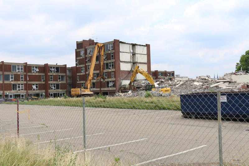 In June a demolition crew razed the last Penn Plaza apartments, which had been home to mostly elderly and low-income residents. The site's future had been the subject of bitter disputes between the city, the community, and developer Pennley Park South.