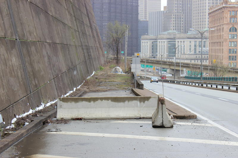 A half-constructed ramp on Bigelow Boulevard heading east interested a Good Question! listener, who says she's always wondered why nothing was built there.