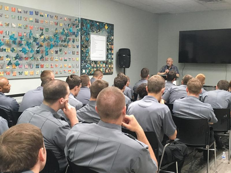 Holocaust survivor Sam Gottesman of Squirrel Hill speaks to Pittsburgh police recruits at the Holocaust Center of Pittsburgh in Greenfield.
