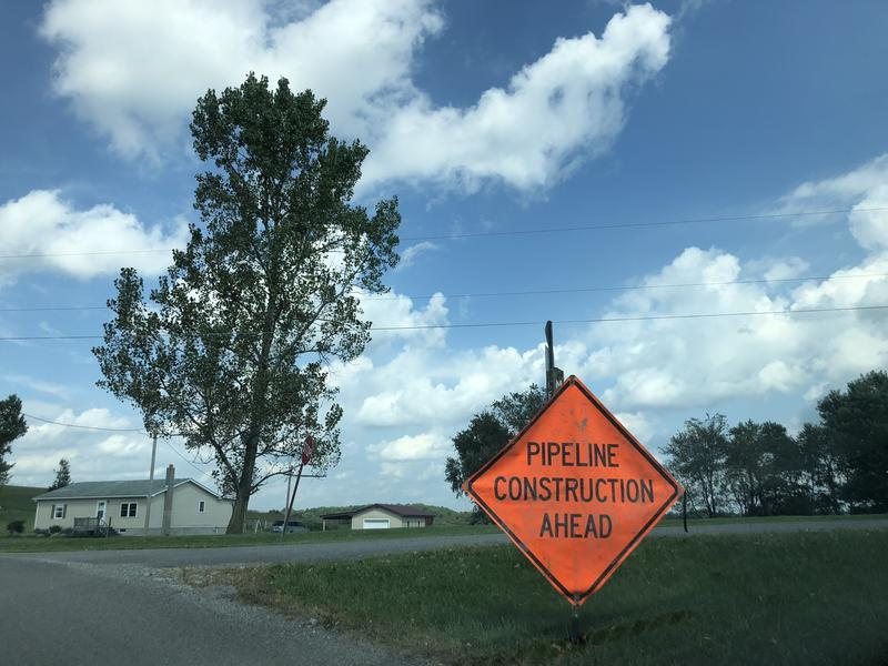 A sign warning drivers about construction in Washington County, Pa.