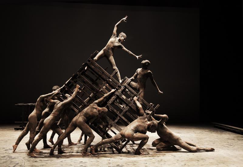 "The festival includes the U.S. premiere of Deborah Colker Dance's ""Cao sem Plumas."""
