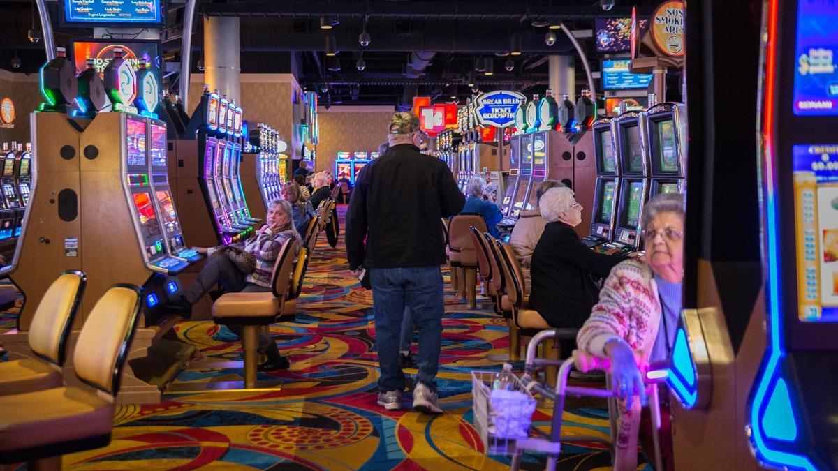 Mohegan sun slot supervisor casino la croix rouge marseille