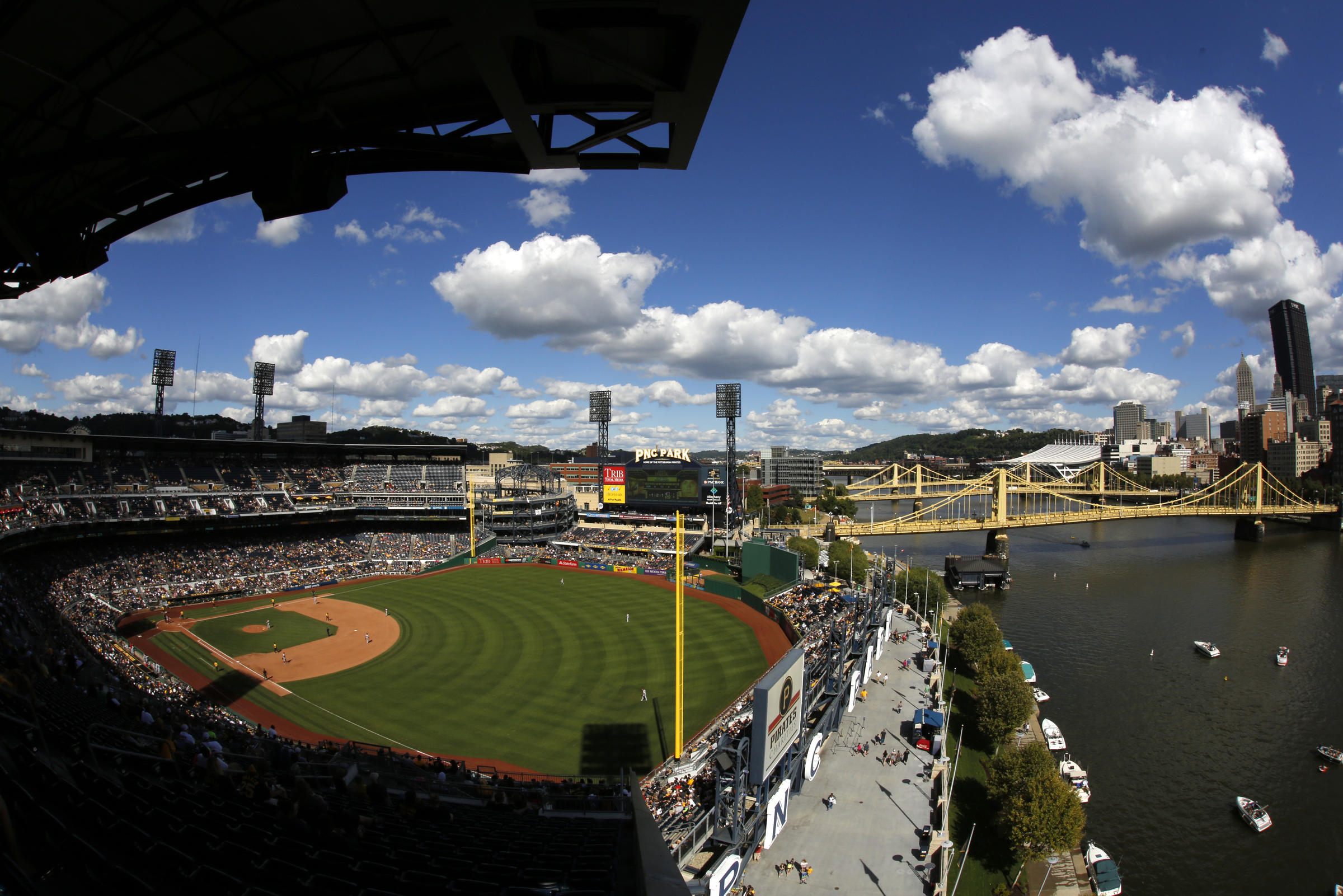 The Pittsburgh Pirates Take On Atlanta Braves At 105 Pm For Their 2017 Home Opener Unlike Reds Game Picture Here Last September