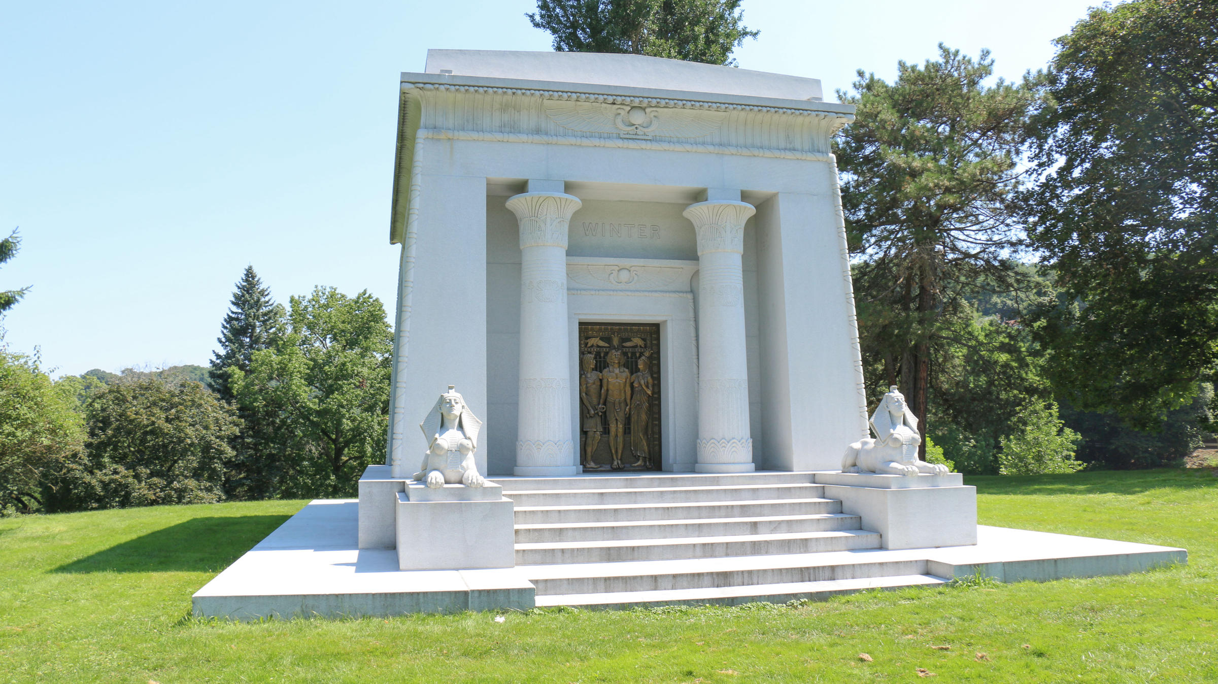 the story behind that giant egyptian themed mausoleum in allegheny
