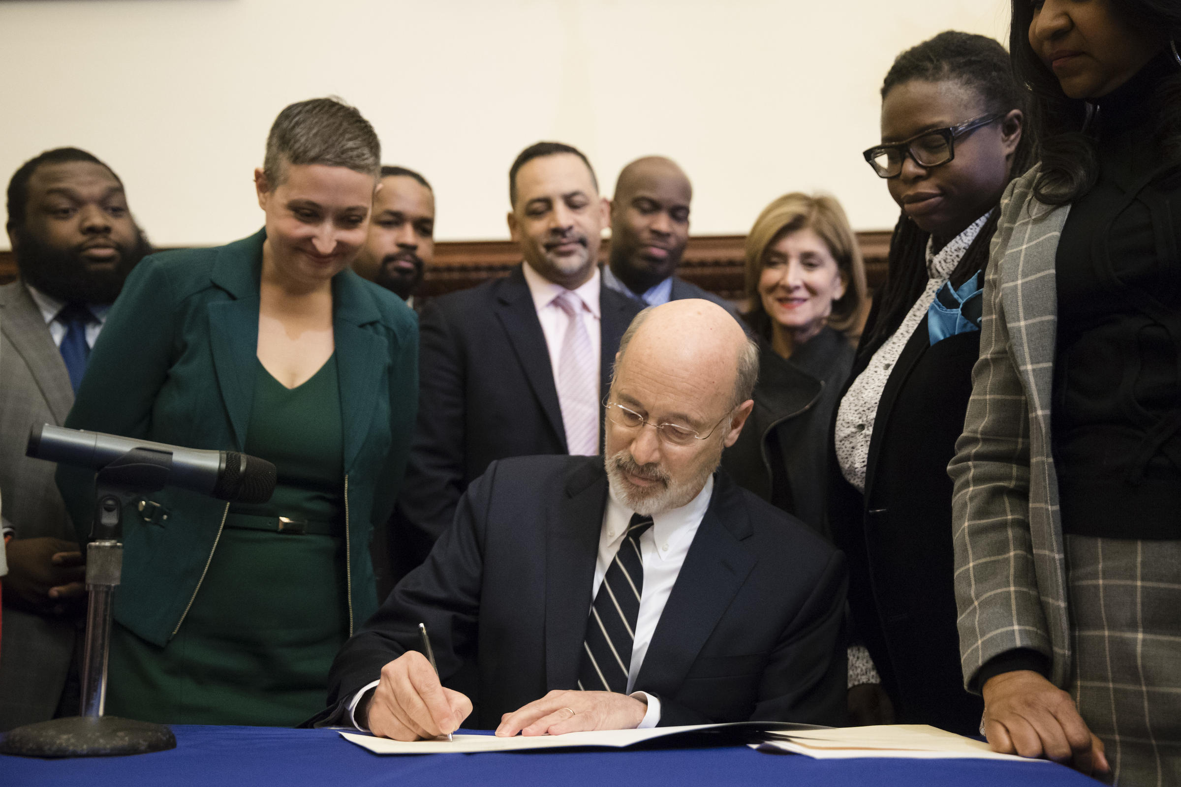 Pennsylvania governor vetoes 20-week abortion ban