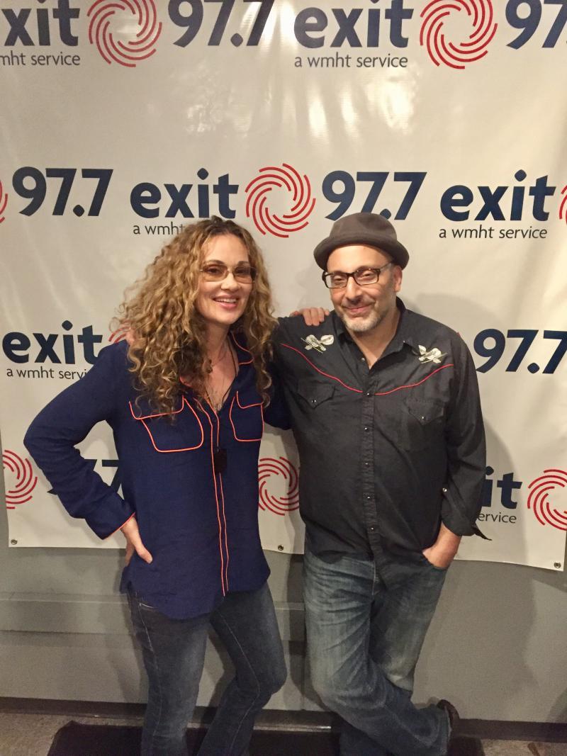 Dana Fuchs with guitarist Jon Diamond