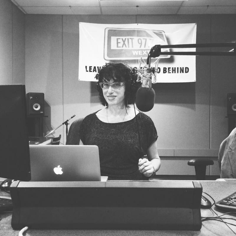 Laura in studio
