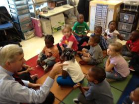 Walter Dalton speaks to school children.