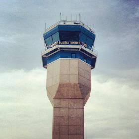 A control tower at an American airport.