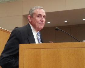 Charlotte Aviation Director Jerry Orr speaks at a City Council meeting. (file photo)