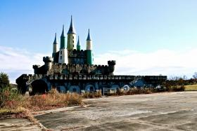 The abandoned 'Kings Castle' sat in ruins since in the park closed in 1990. The castle was demolished in the summer of 2013.