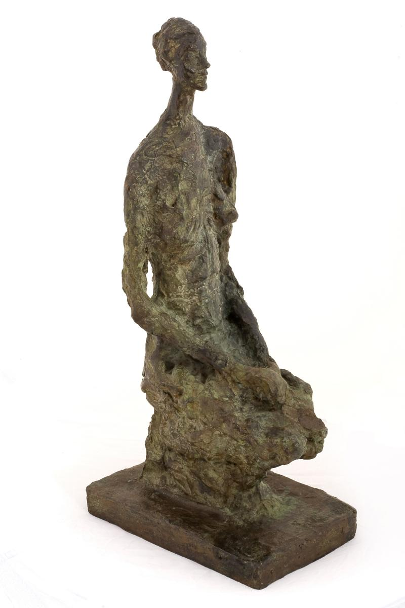 Alberto Giacometti, Femme Assise,  1956, bronze, Bechtler Museum of Modern Art © Alberto Giacometti Estate/Licensed by VAGA and ARS, New York, NY