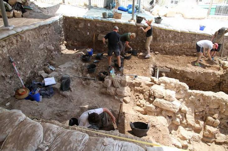 Archaeologists' uncover a Byzantine building.